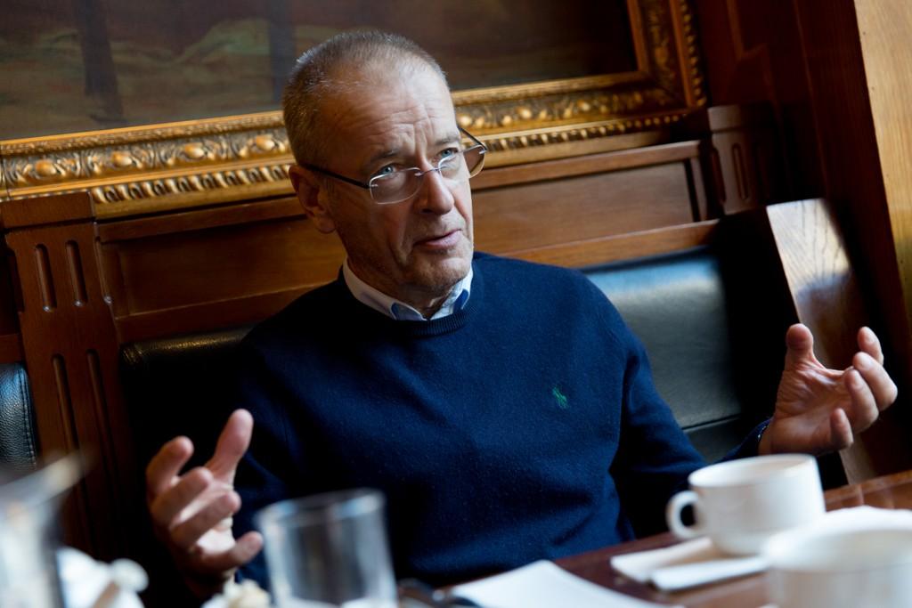 ERFAREN TV-MANN: Ernst A. Lersveen forteller om oppturer, nedturer, rabalder og mye annet fra en lang karriere som journalist.