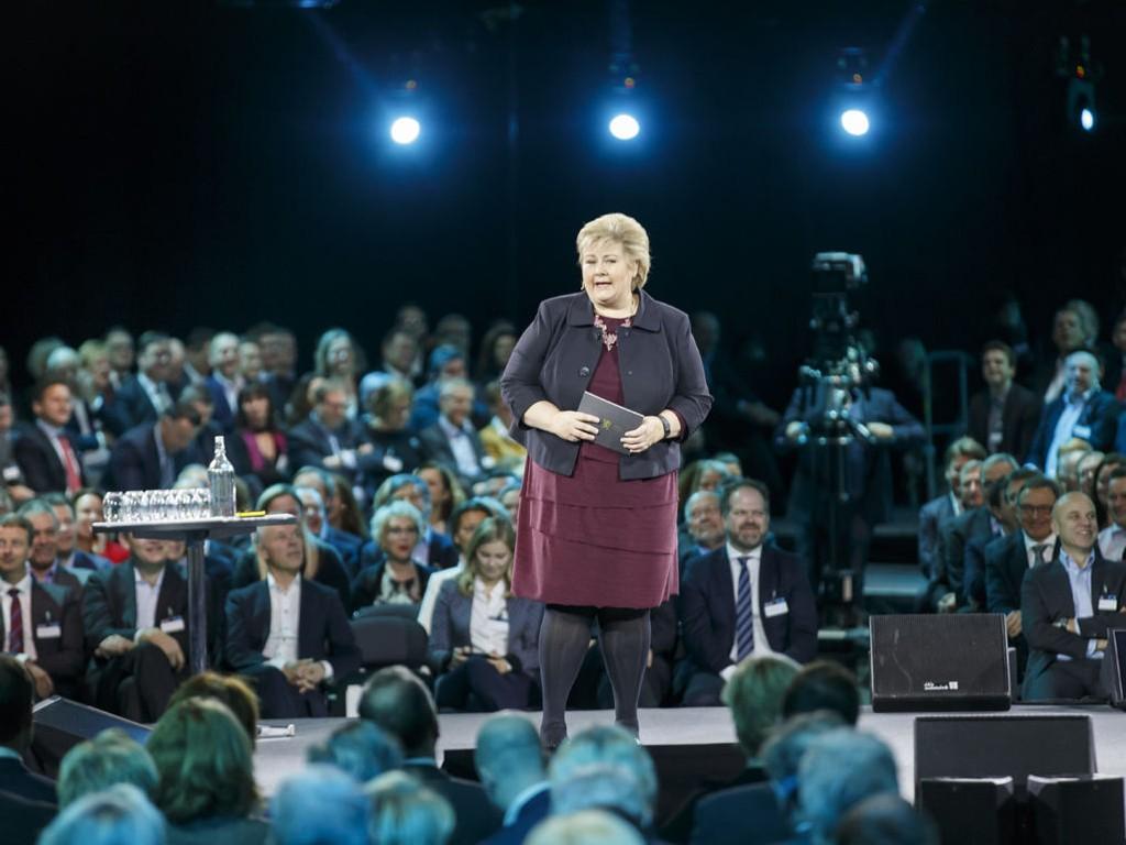 Statsminister Erna Solberg (H) talte til NHOs årskonferanse torsdag. Konferansen har tittelen «Made in Norway» og har grønn fremtid som tema.