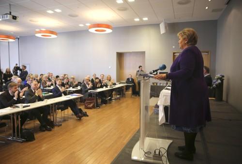 Partileder og statsminister Erna Solberg holder tale på Høyres felleskonferanse for sentralstyret, stortingsgruppen og regjeringsapparatet pSundvolden Hotel.