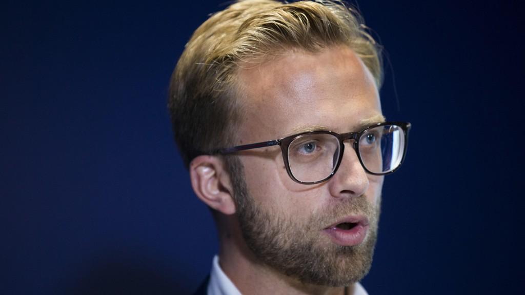 - Det er svært viktig å få på plass returavtaler, og da kan dette være et effektivt virkemiddel, sier stortingsrepresentant Nikolai Astrup i Høyre.