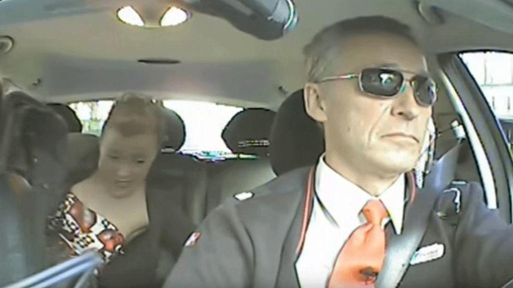Denne reklamefilmen med Jens Stoltenberg som drosjesjåfør spredte Arbeiderpartiet på sosiale medier i forrige valgkamp. Den vil være forbudt å vise på TV 2 eller en annen norsk fjernsynskanal.