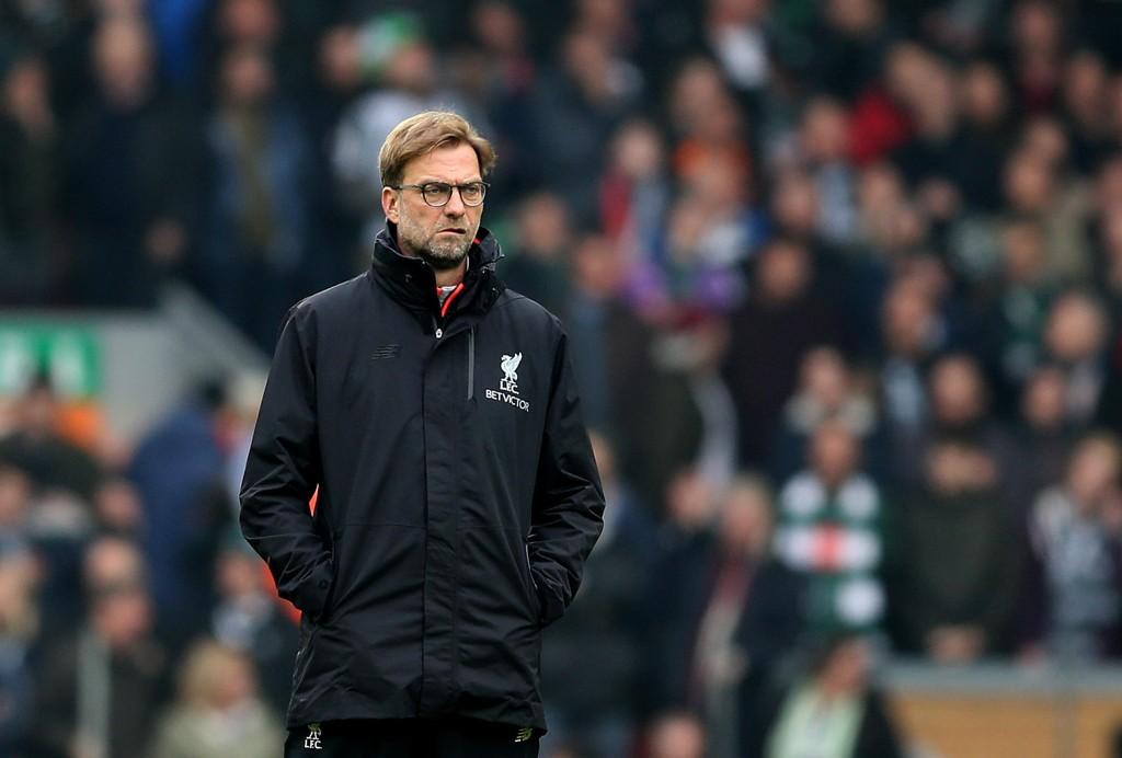 Liverpool-manager Jürgen Klopp (midten) satser på at spillerne hans skaffer et godt utgangspunkt før returen på Anfield.