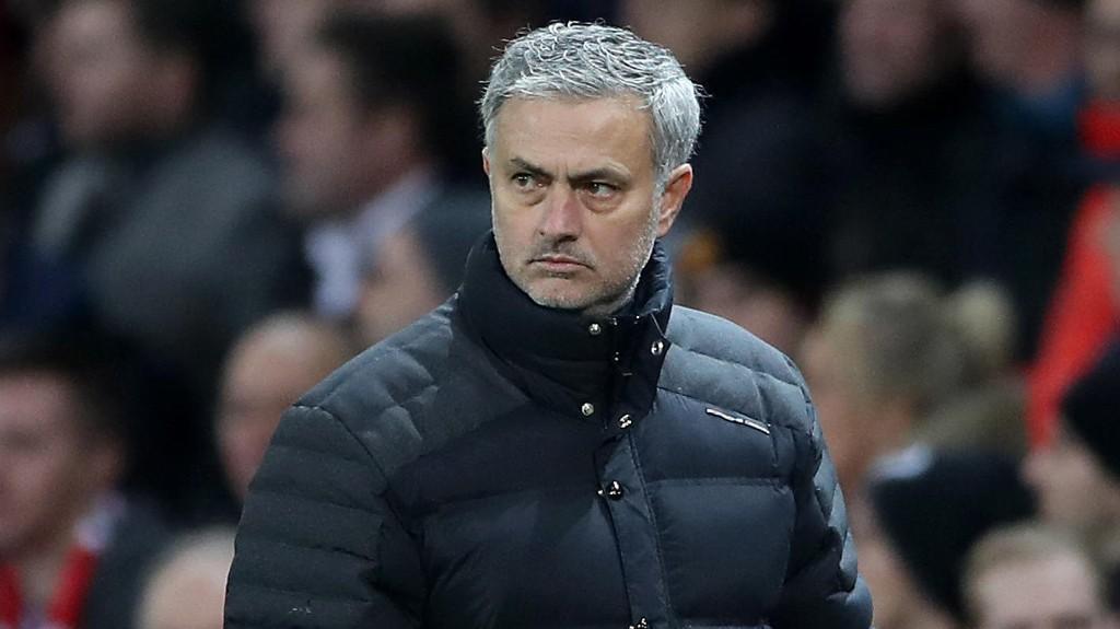 BESKJED TIL FANSEN: Jose Mourinho kommer med en klar oppfordring til Manchester United-supporterne før søndagens oppgjør mot Liverpool.