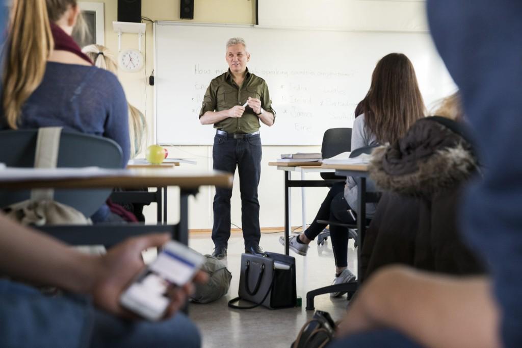 FÆRRE FAG: Høyre foreslår i sitt nye program et forsøk med færre fag og mer fordypning i videregående skole. Illustrasjonsfoto: Scanpix