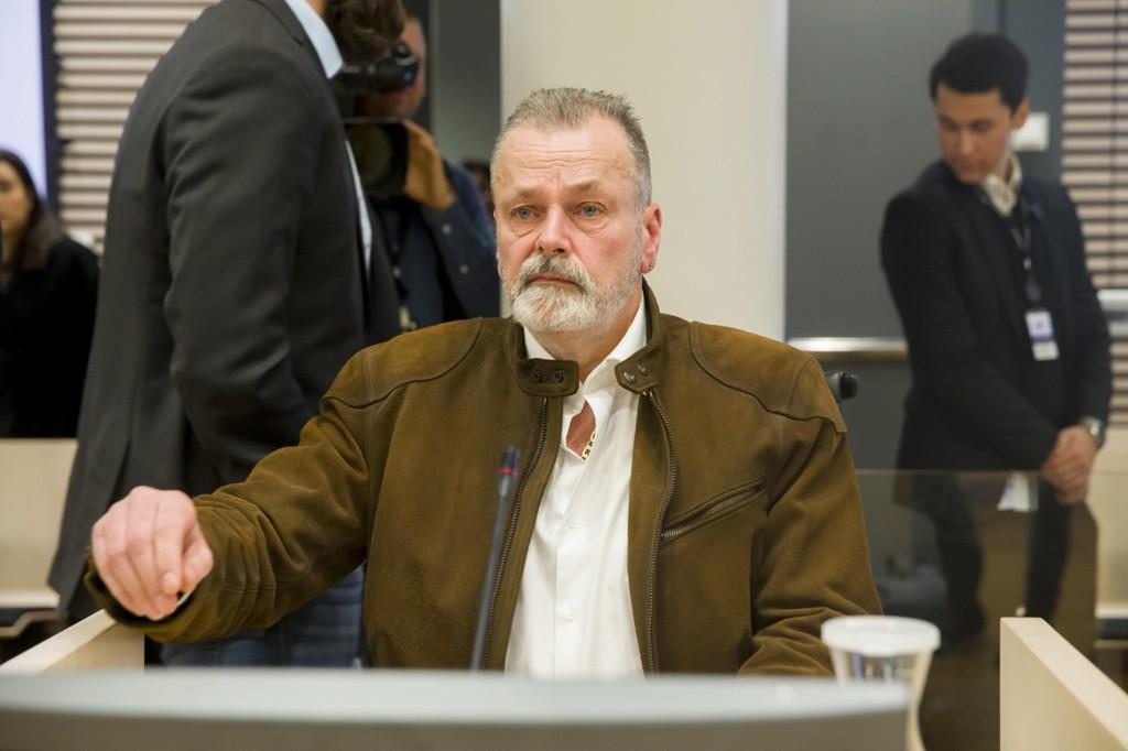 TILTALT: Eirik Jensen fikk ukjent hemmelig navn da han ble satt i arresten i Sandvika etter at han ble pågrepet i 2014. Nå er han tiltalt for grov korrupsjon og grov narkotikakriminalitet. Bildet er fra retten i Oslo tingrett mandag.