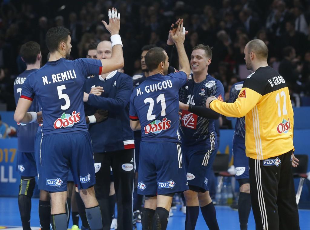 GOD START: Frankrike med seier i VM-premieren.