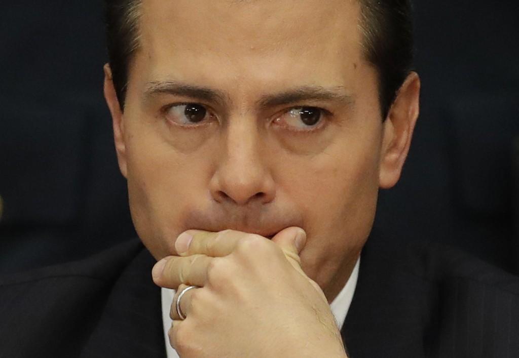 President Enrique Peña Nieto gjentar at Mexico ikke akter å betale for muren Donald Trump har lovet å bygge langs grensa.