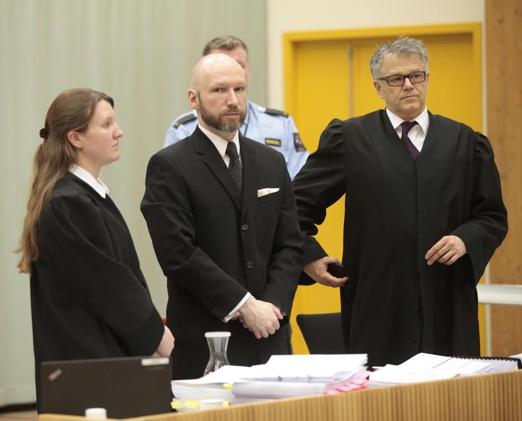 - MER RADIKAL: Anders Behring Breivik gir regjeringsadvokaten helt rett i at han er mer høyreekstrem nå enn noen gang tidligere. – Jeg er blitt mer og mer radikal i fengselet, sier han.Foto: Lise Åserud / NTB scanpix