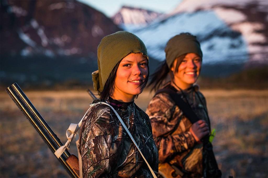 TILBAKE: Johanne og Kristine Thybo Hansen er tilbake på TVNorge med nye jaktprogrammer og sterke gloser.