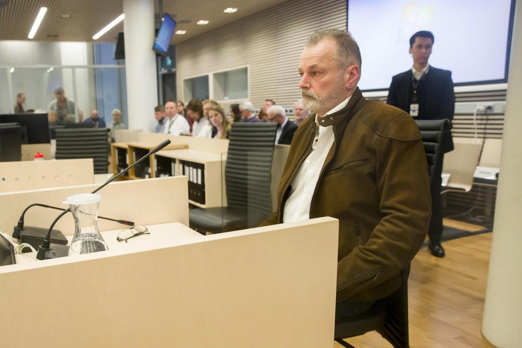 Aktor Kristine Schilling fortsatte sin eksaminering av Eirik Jensen i Oslo tingrett torsdag. Bildet er fra tirsdag da Eirik Jensen avgir forklaring i vitneboksen under andre dag av rettssaken mot han og Gjermund Cappelen.