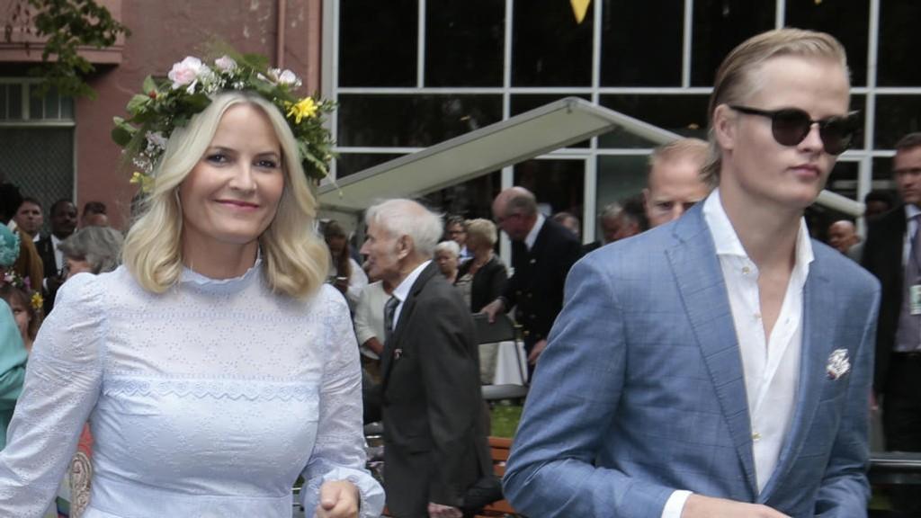 REFSER PRESSEN: kronprinsesse Mette-Marit refser pressen og ber media om å la sønnen Marius være i fred når han nå flytter til USA.