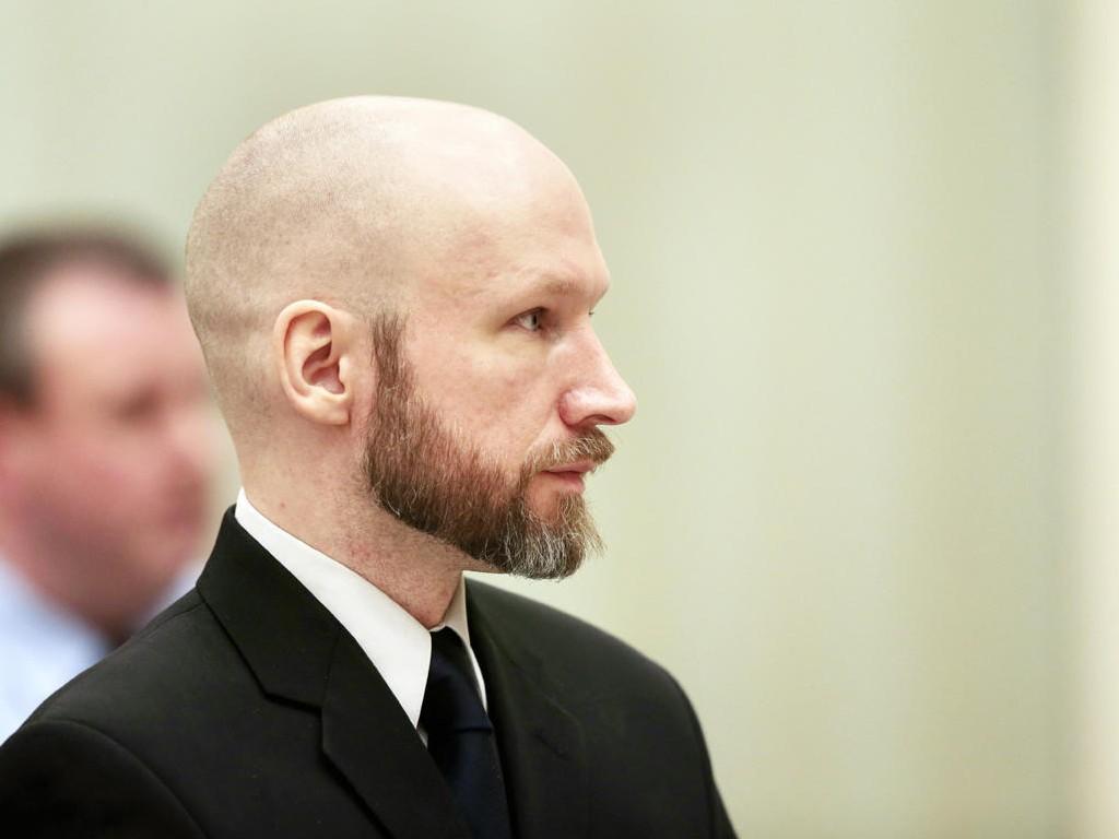 ANKESAKEN: Anders Behring Breivik i rettssalen fjerde dag av rettssaken. Han har hatt jevnlige samtaler med en besøksvenn (48), som fredag ga sin oppfatning av drapsmannen.