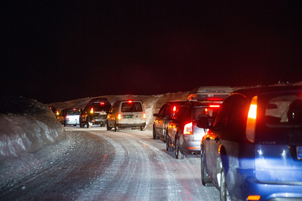 Very slick roads created major problems for many motorists in the South of Norway on the night of Wednesday and on the next morning. Ruskeværet in the north has led to the closures, the formation of colonnes and set ferries (illustrasjonsfoto).