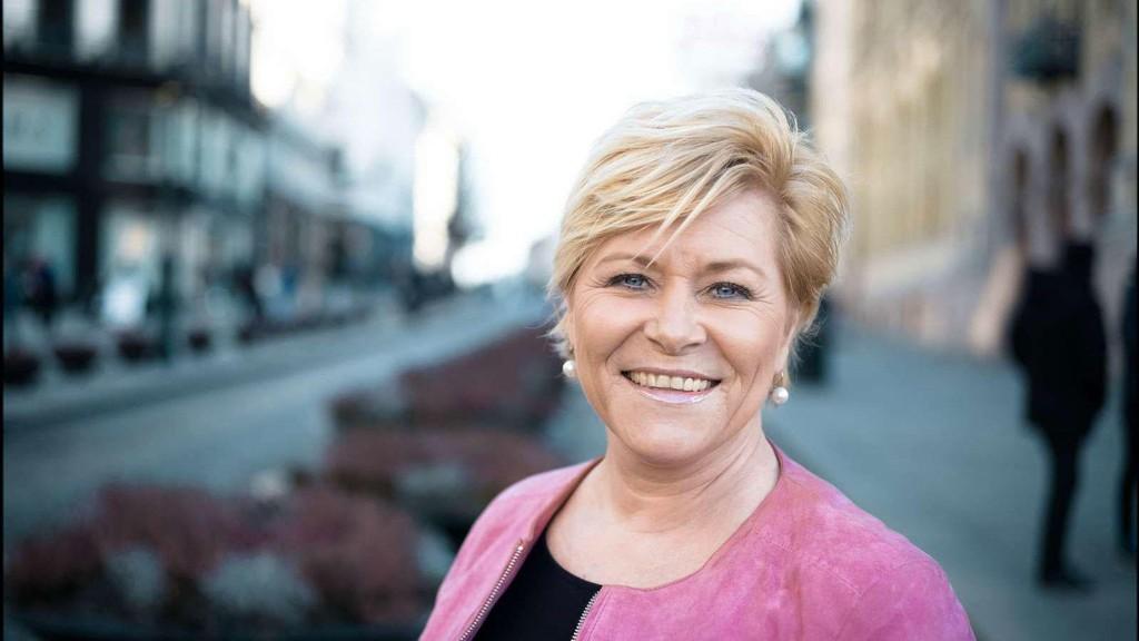 Finansminister og Frp-leder Siv Jensen må ta stilling til forslaget fra partiets programkomite om å kutte all offentlig støtte til trossamfunn.