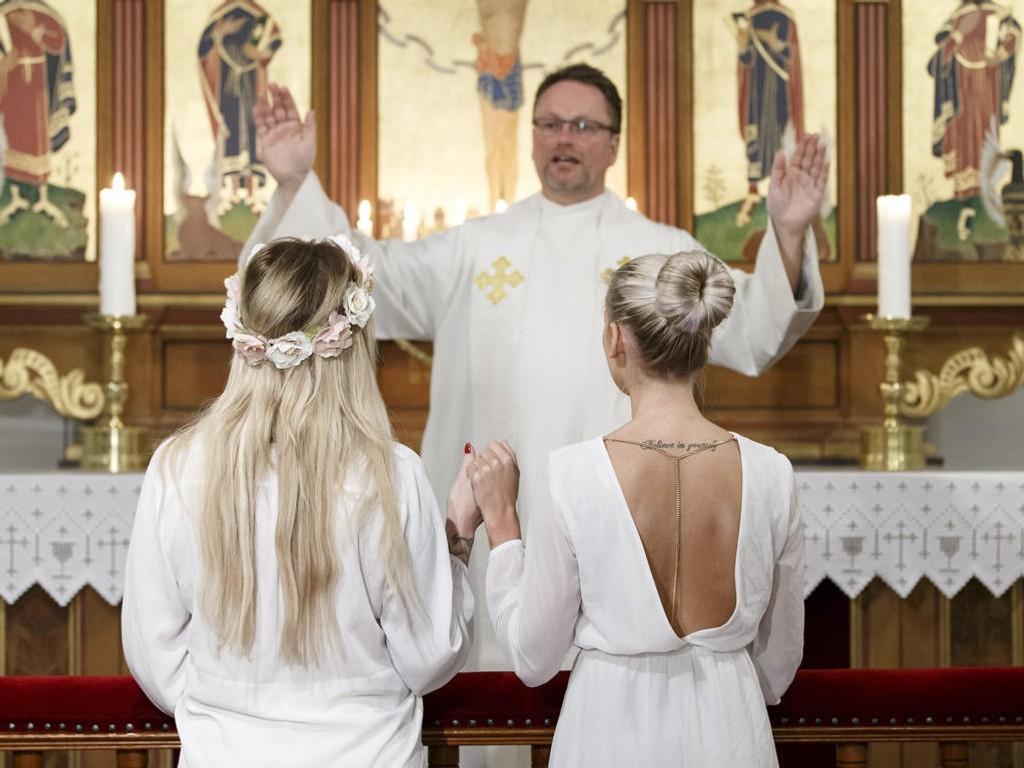 Slik kan det bli når liturgien for likekjønnet ekteskap trer i kraft. Illustrasjonsfoto