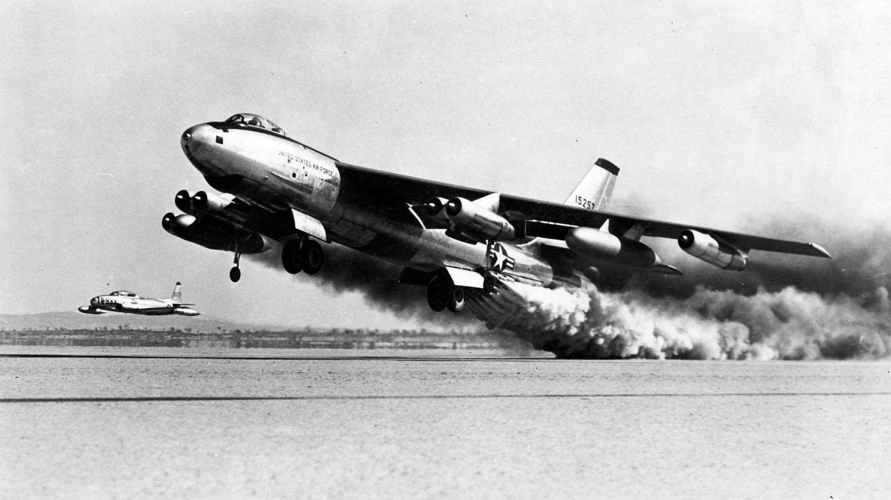 STRATOJET: B-47 Stratojet var et amerikansk bombefly utviklet av Boeing på slutten av 1940-tallet. Det var et slikt fly som slapp lasten - deriblant en hydrogenbombe på 3,5 tonn - som aldri er gjenfunnet.