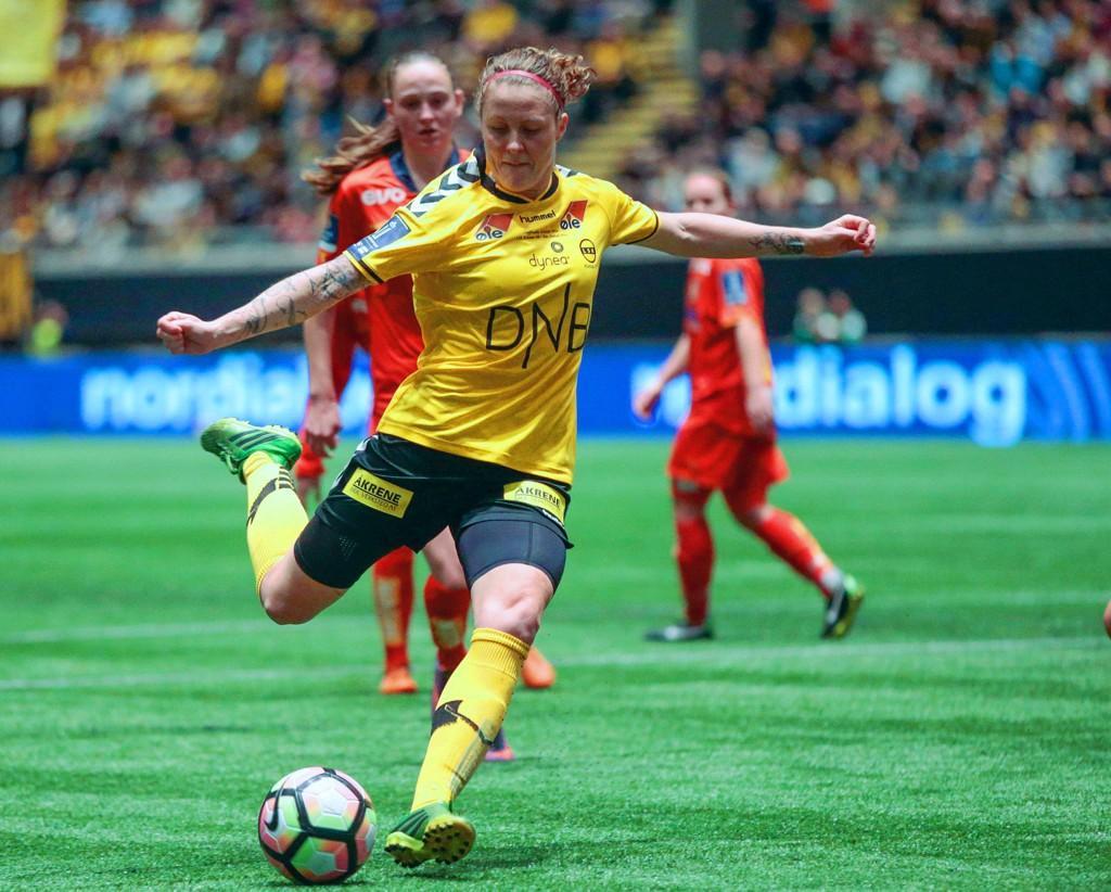 NY UTFODRING: Isabell Herlovsen kan se tilbake på mange suksessrike år i LSK Kvinner. Her fra fjorårets cupfinaletriumf mot Røa i Telenor Arena.