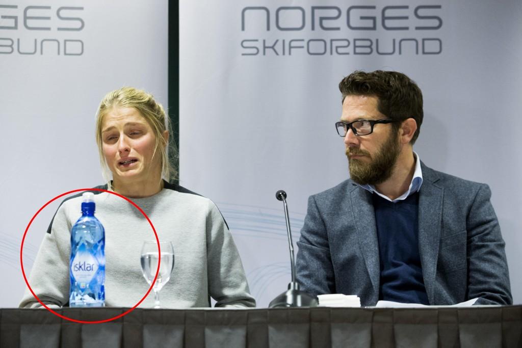 FÅR FORTSATT STØTTE: Isklar var den eneste synlige merkevaren på pressekonferansen der Therese Johaug for første gang offentliggjorde at hun hadde testet positivt på anabole steroider.