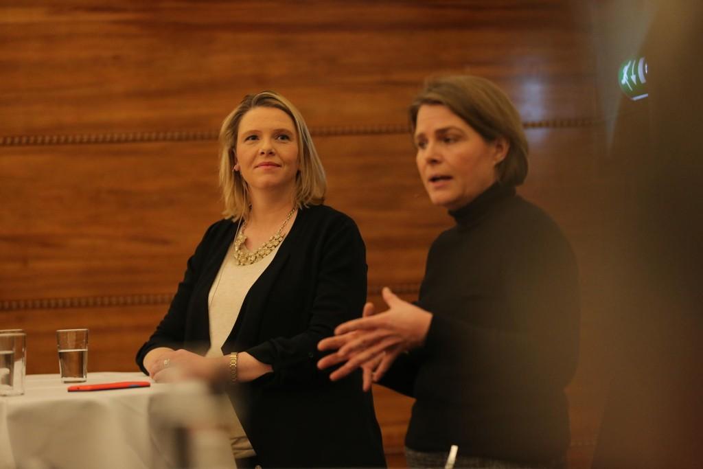 DUELL: Innvandrings- og integreringsminister Sylvi Listhaug (Frp) møtte Dagsavisens kommentator Hege Ulstein til debatt om ytringsklimaet på innvandringsfeltet på onsdagens Nettavisen-konferanse.