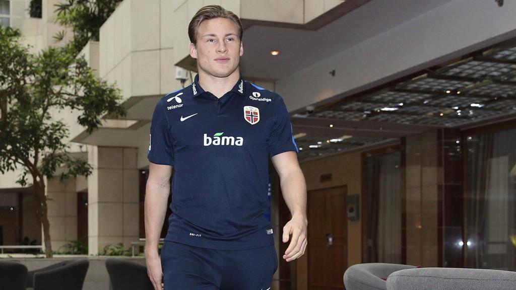 Jonas Svensson var ikke i troppen til AZ Alkmaar torsdag på grunn av dødsfall i familien.