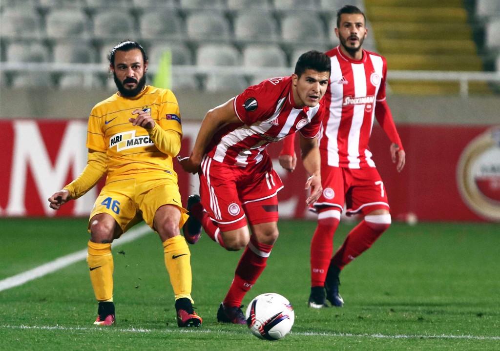 NYTER LIVET: Tarik Elyounoussi nyter livet i gresk fotball, men utelukker ikke å flytte på seg.