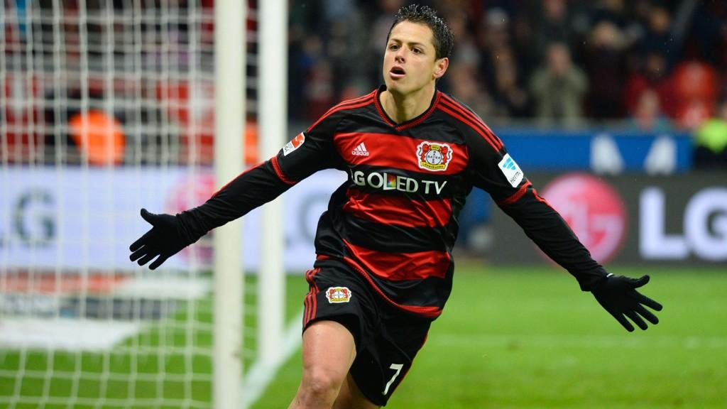 Javier Hernandez og Bayer Leverkusen skal ut i en meget viktig hjemmekamp mot Atletico Madrid tirsdag og sparer kanskje jubelen til da?