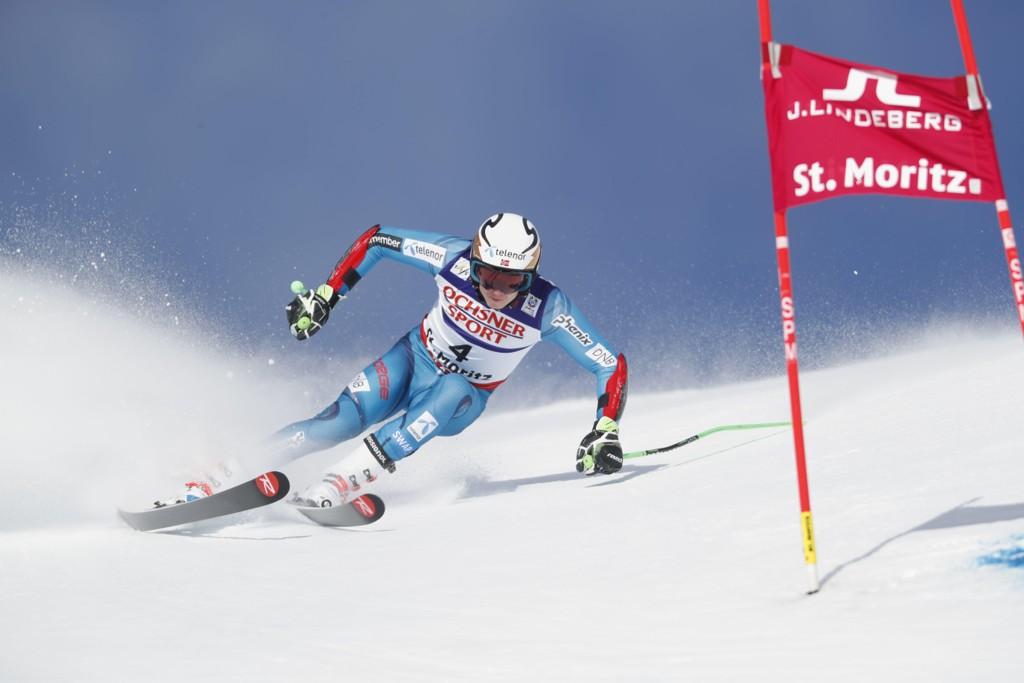 PÅ SKUDDHOLD: Henrik Kristoffersen er på skuddhold før finaleomgangen i VM-rennet i storslalåm.