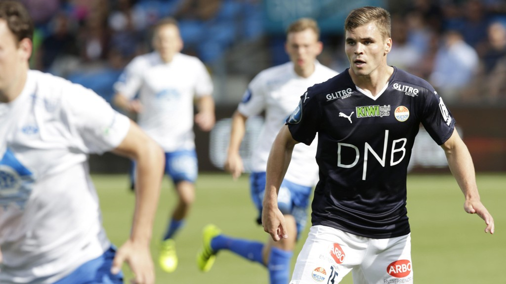 TAP: Kristoffer Tokstad satte ballen i stolpen, men nærmere var ikke Strømsgodset scoring i 0-2-tapet for Dinamo Kiev.