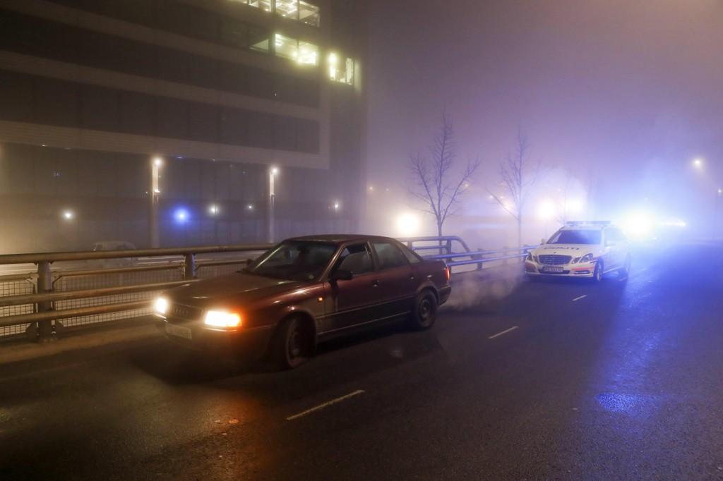 En gullsmed på Skøyen ble fredag kveld utsatt for et væpnet ran. Gjerningspersonene forsvant fra stedet i bil, og ingen ble skadd under under ranet. Bilen ble hensatt ved Telenor Arena på Fornebu. (bildet)