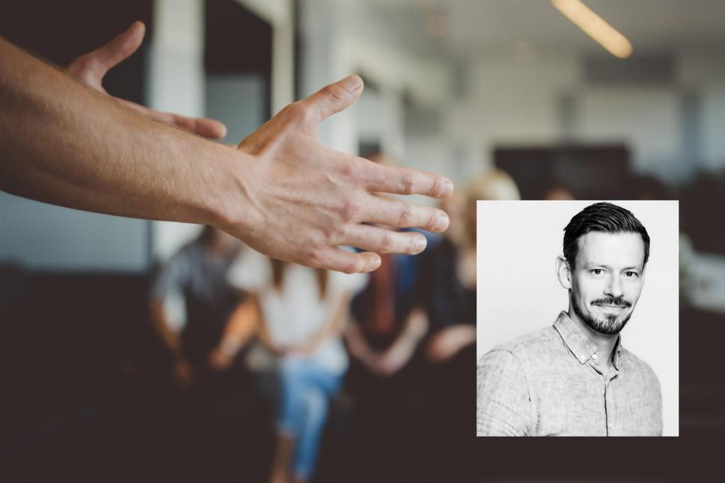 Psykiatrisk sykepleier Anders Røyneberg ved Sex og samfunn holder samtalegrupper for unge transpersoner.