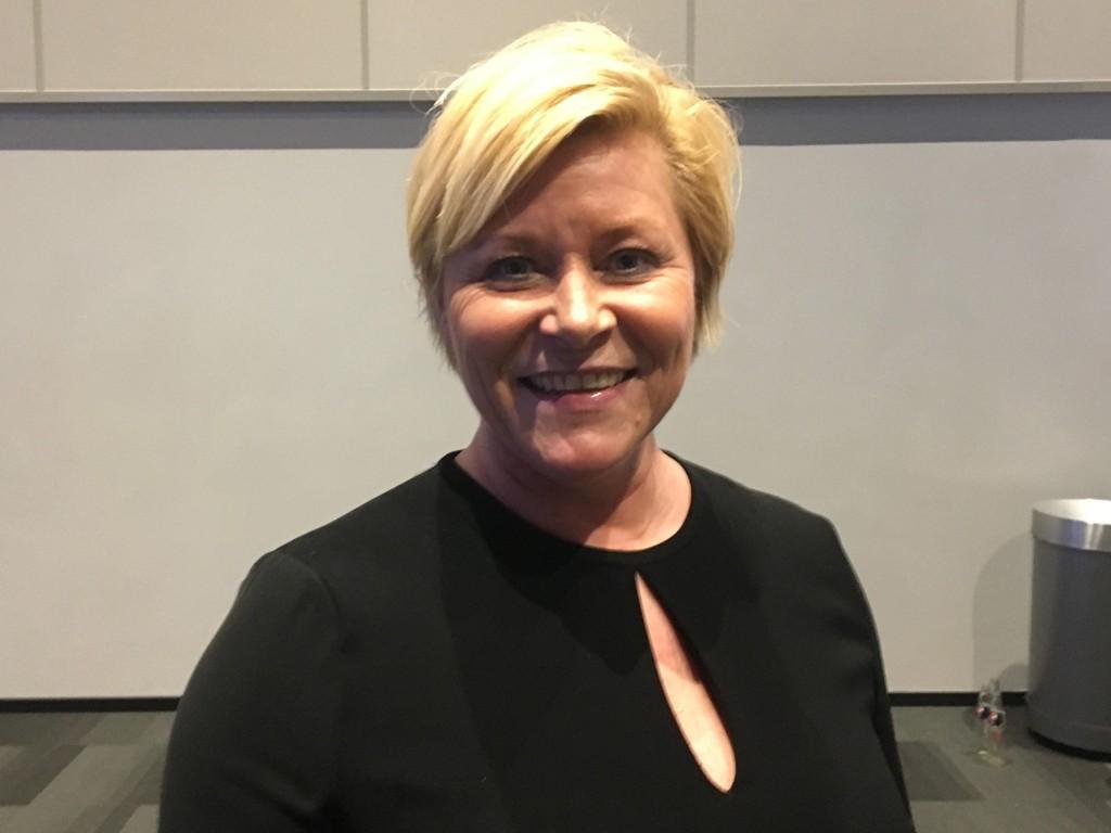 TATT IGJEN: Frp-leder Siv Jensen blir tatt igjen av Senterpartiet på meningsmålingene, men mener de ligger godt an foran stortingsvalget.