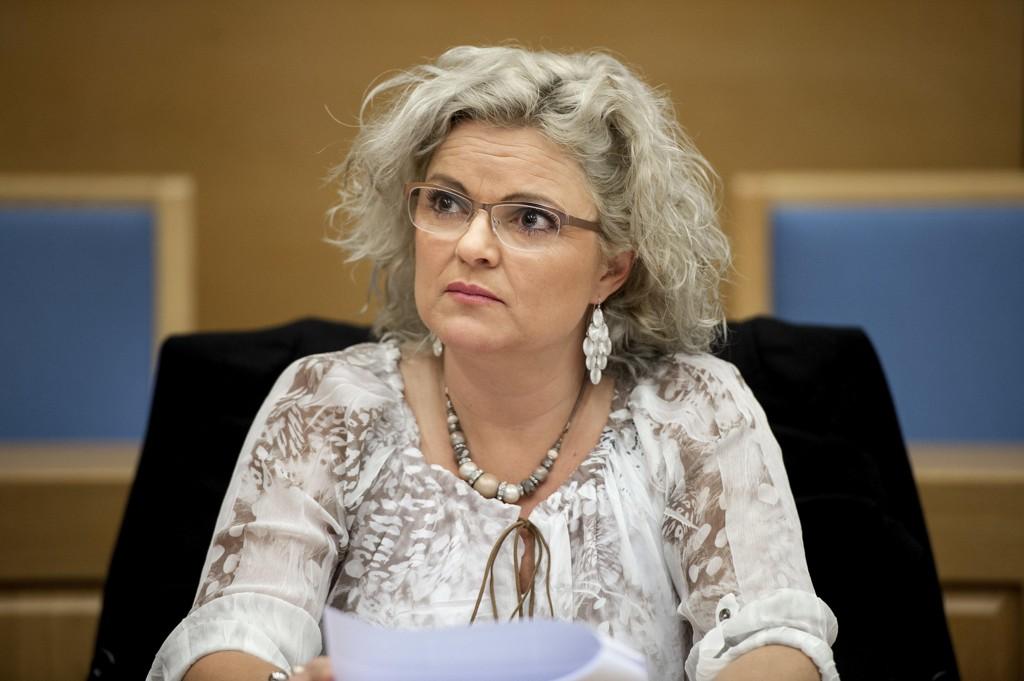 PEDO: Merete Hodne, her i Gulating lagmannsrett under «hijab-saken», kalte revymedlem Per Inge Torkelsen for en «pedo» på Facebook.