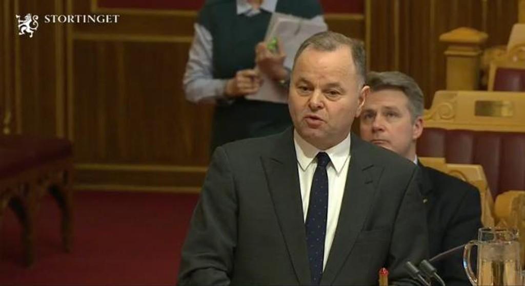 FÅR REFS: Stortingspresident Olemic Thommessen fikk refs i Stortinget mandag, men slo kraftig tilbake mot kontroll- og konstitusjonskomiteen.