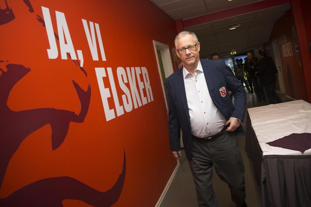 LANDSLAGSSJEF: Lars Lagerbäck har tatt ut spillertroppen som skal møte Nord-Irland.