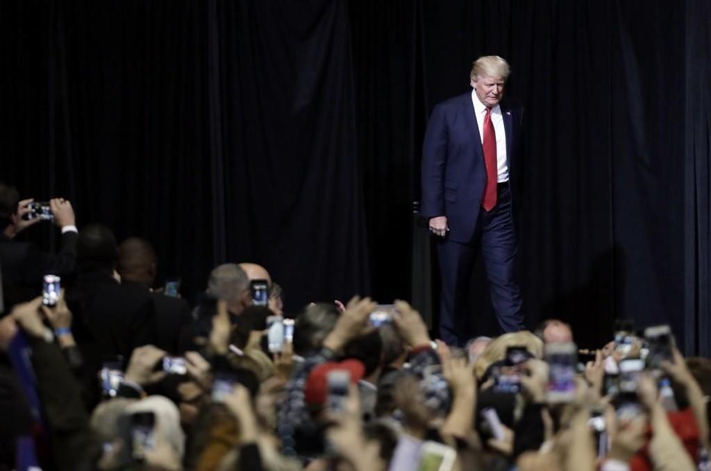 President Donald Trump på scenen i Nashville onsdag.