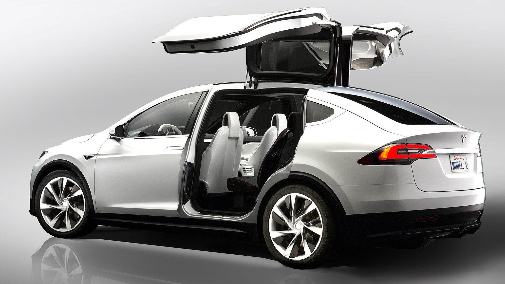 FRA MODEL X TIL MODEL Y: Tesla planlegger SUV/crossover hakket under sin Model X (bildet). Det er en bil som har gode muligheter for å bli en stor suksess i Norge.