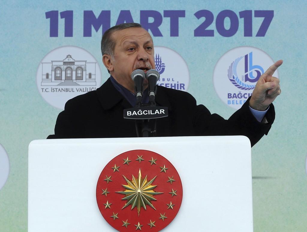 HARDE FRONTER: Tyrkias president Recep Tayyip Erdogan har nærmest gått til verbal krig mot EU.