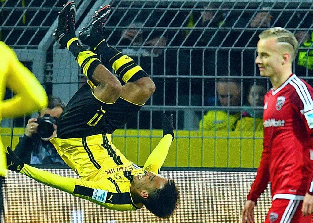 VERDT EN FEIRING: Pierre-Emerick Aubameyang utgjorde forskjellen da Borussia Dortmund fullførte en kamp for historiebøkene.