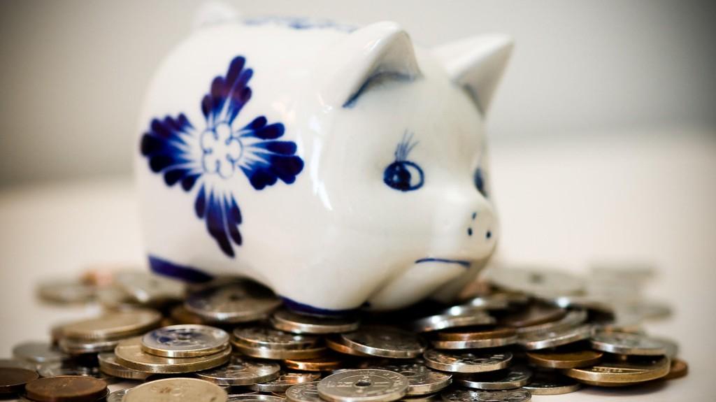 Frykt for lavere pensjon gjør at rekordmange nordmenn sparer i verdipapirfond.