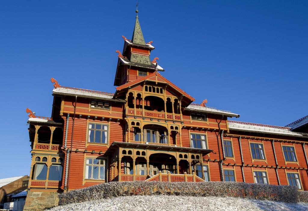 AVSLUTNINGSFEST: Skiskytternes avslutningsfest ble avholdt på Holmenkollen Park hotel.