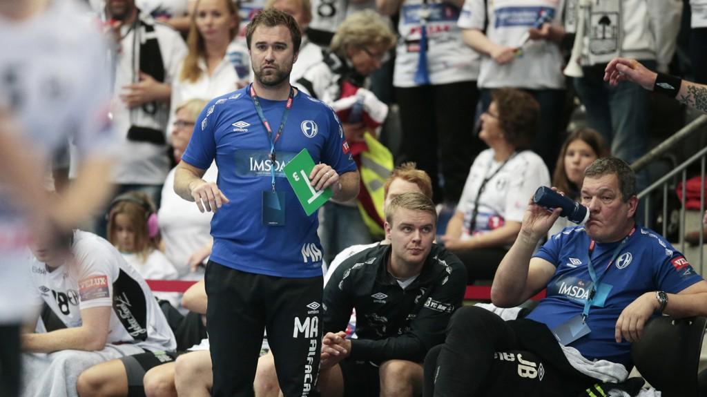 KONTROVERSIELL: Trener Michael Apelgren fra Elverum Håndball har blitt kritisert fra flere hold etter kampen mot Lillestrøm.