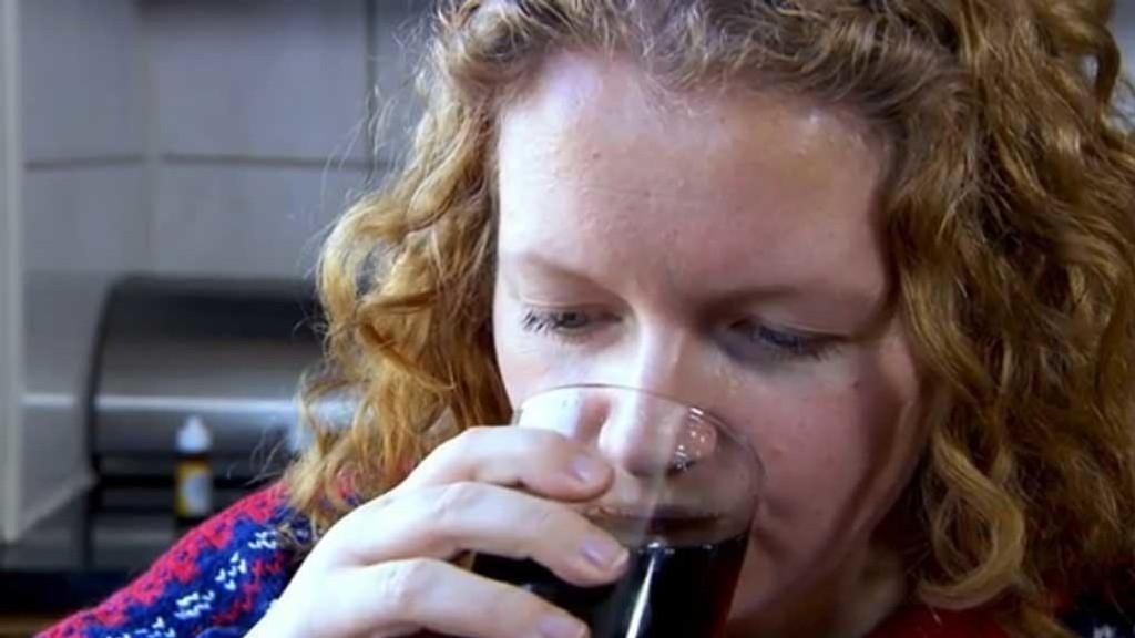 Bente drikker mer enn 1 1/2 liter Pepsi Max hver eneste dag. Til sammen bruker hun 12.000 kroner på brus i året.