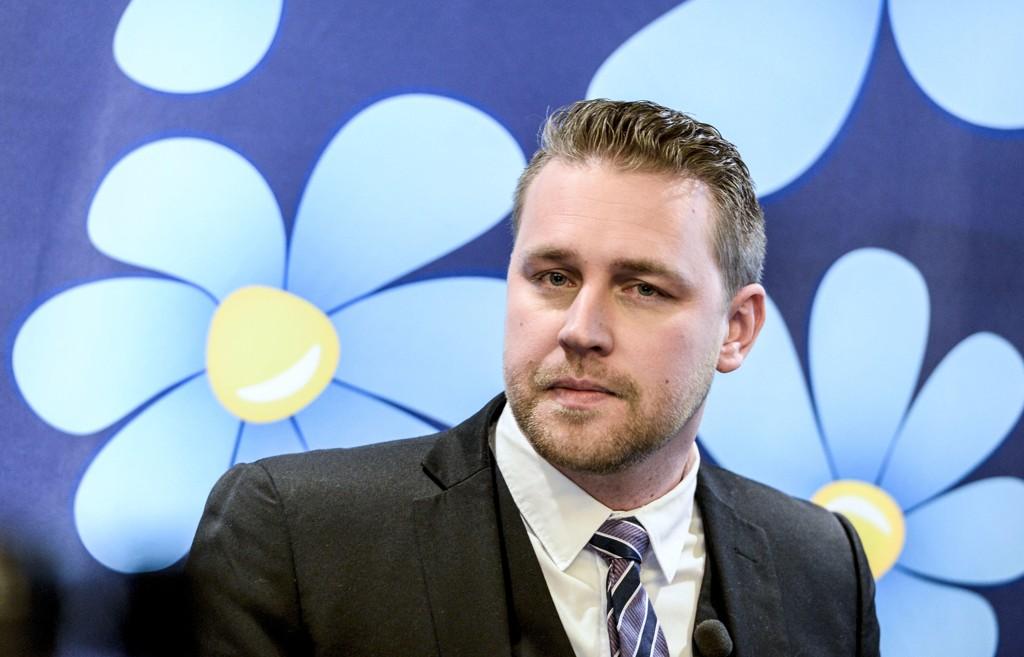 Mattias Karlsson var Sverigedemokraternas fungerende partileder da Jimmie Åkesson var sykmeld på grunn av utbrenthet fra oktober 2014 til mars 2015. I dag er han Sverigedemokraternas gruppeleder i Riksdagen.