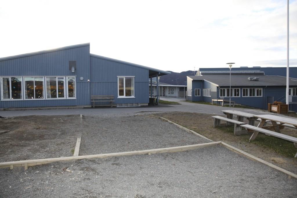 TOMT SKOLEBYGG: Fauske kommune trengte plutselig ikke den nye bygget på Finneid Skole likevel.