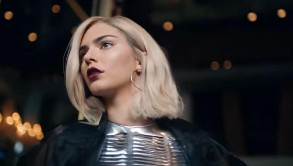 Reklamefilmen til Pepsi med Kendall Jenner i hovedrollen ble trukket tilbake etter bare én dag etter massiv kritikk i sosiale medier.