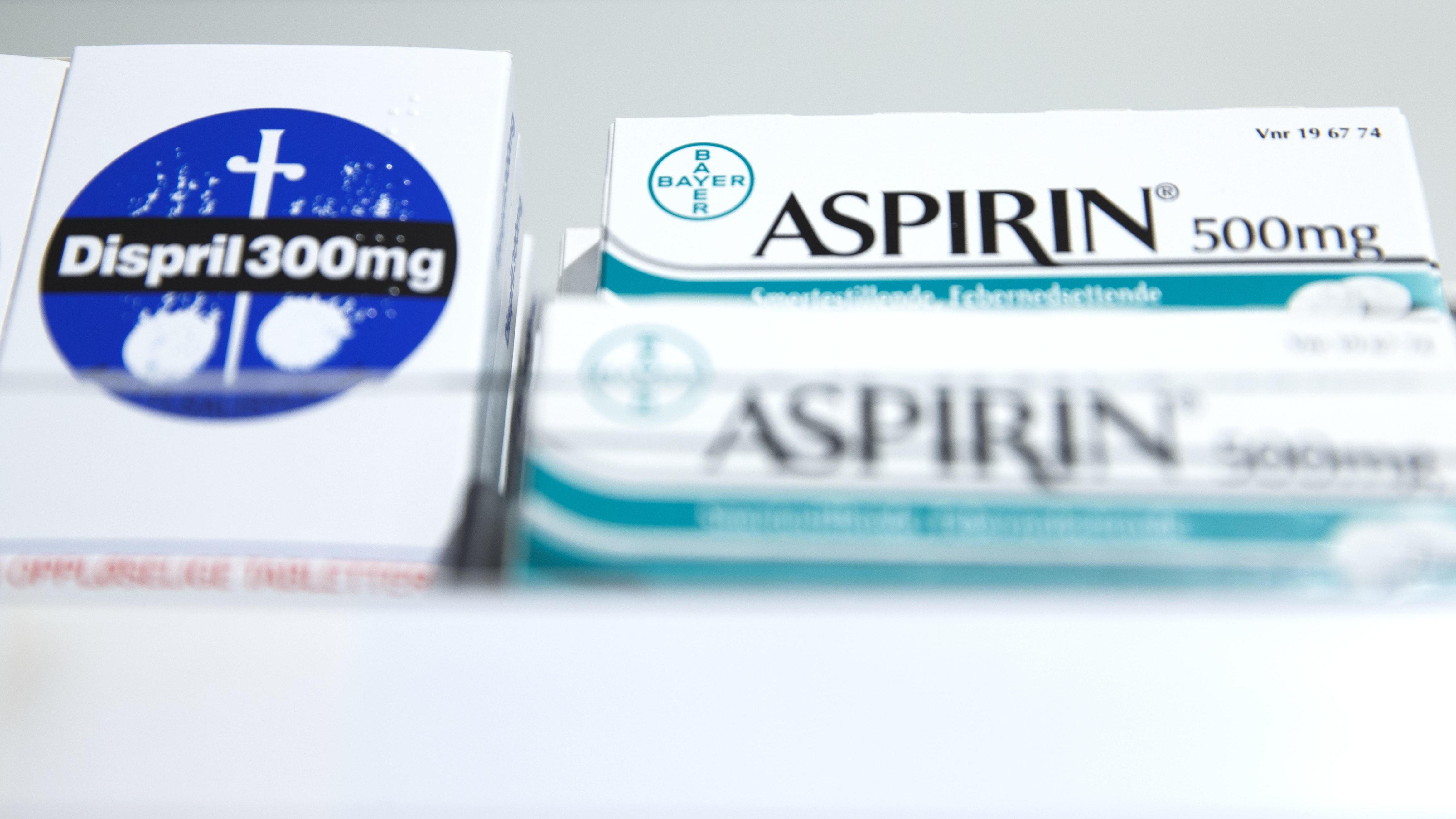 Smertestillende midler som aspirin og dispril inneholder stoffet acetylsalisylsyre.