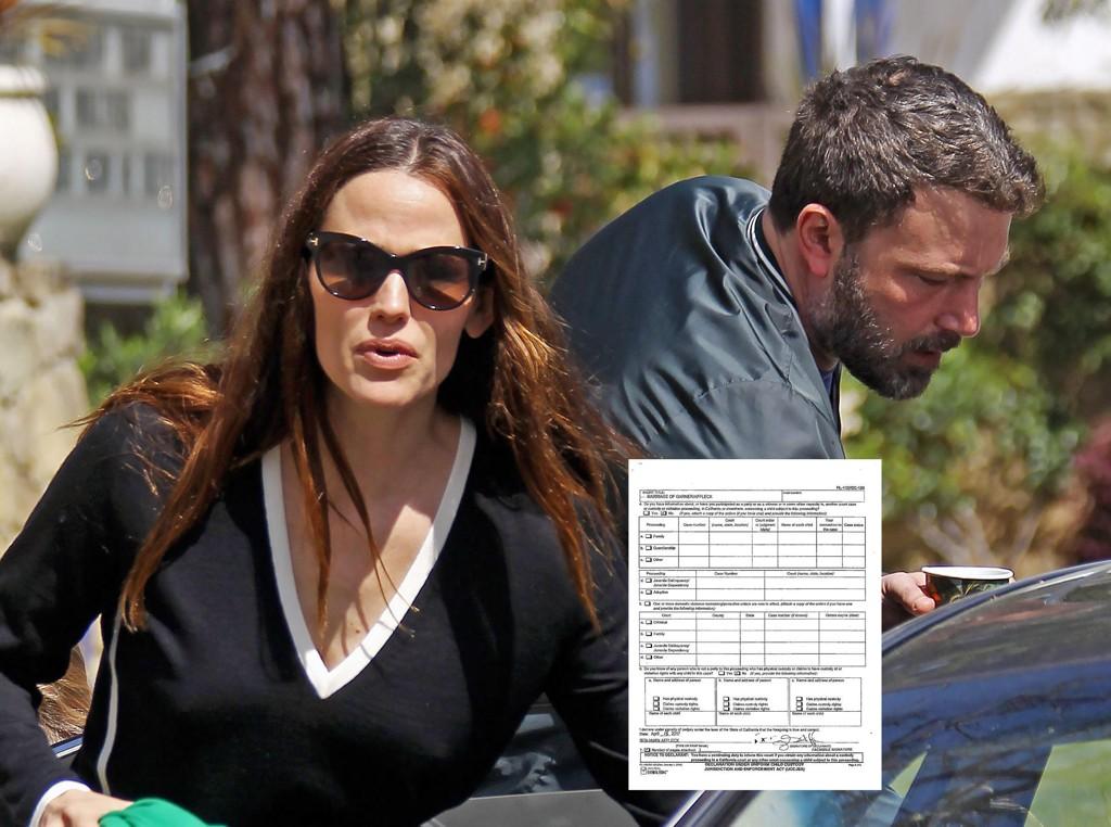 LEVERT INN: Superparet Jennifer Garner (44) og Ben Affleck (44) annonserte i 2015 at de hadde tatt ut separasjon, denne uken leverte de inn skilsmissepapirene. Her er de fotografert sammen i mars i år. Foto: Scanpix