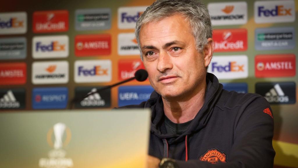VIL HANDLE: Manchester United-manager Jose Mourinho ønsker seg flere nye spillere inn i spillerstallen.