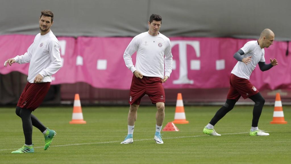 TILBAKE: Robert Lewandowski håper å bli klar til Bayern Münchens returkamp mot Real Madrid i mesterligaen.