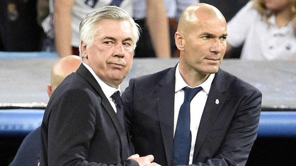 ENIGHET: Både Carlo Ancelotti og Zinedine Zidane er enig om at det snart er på tide med videodømming i fotballen.